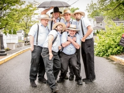 The Amish Outlaws!